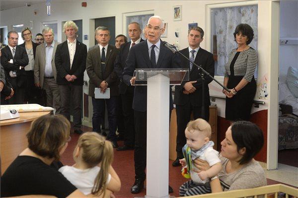 Tizennégymilliárd forintból fejlesztik a sürgősségi gyermekellátást