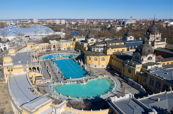 Koronavírus - Bezártak a gyógyfürdők Budapesten