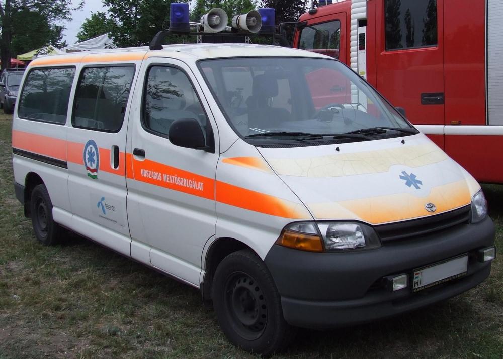 hat év alatt közel másfél évvel csökkent a mentőautók átlagéletkora