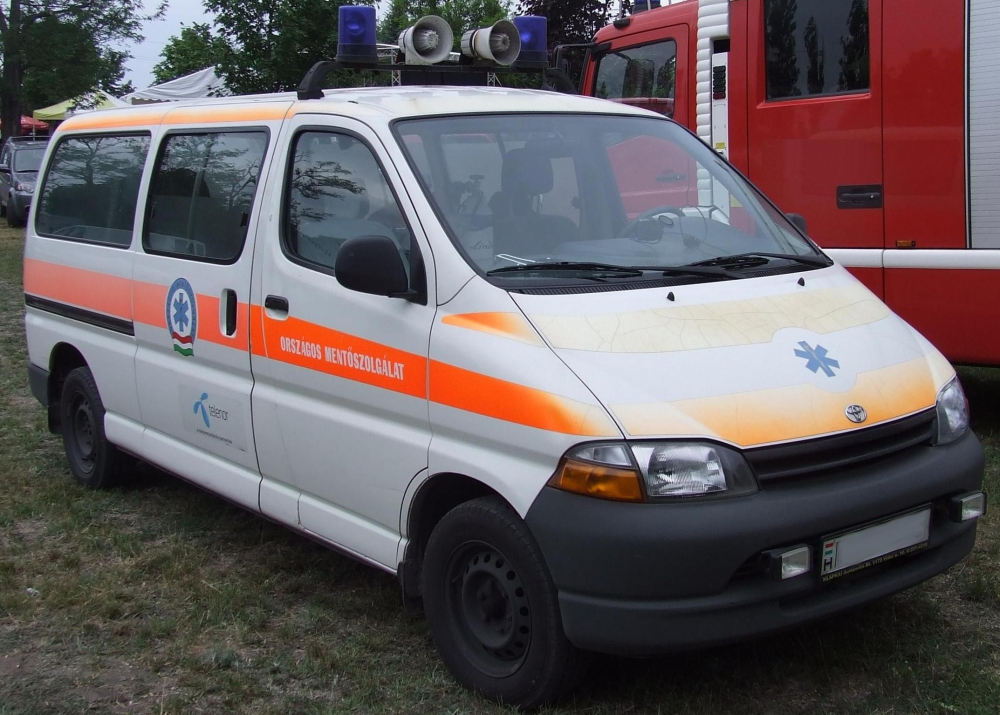 Emmi: további béremelést kaptak a mentőszolgálat dolgozói