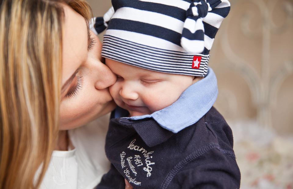 Hallássérült anyák – koraszülés, kis születési súly