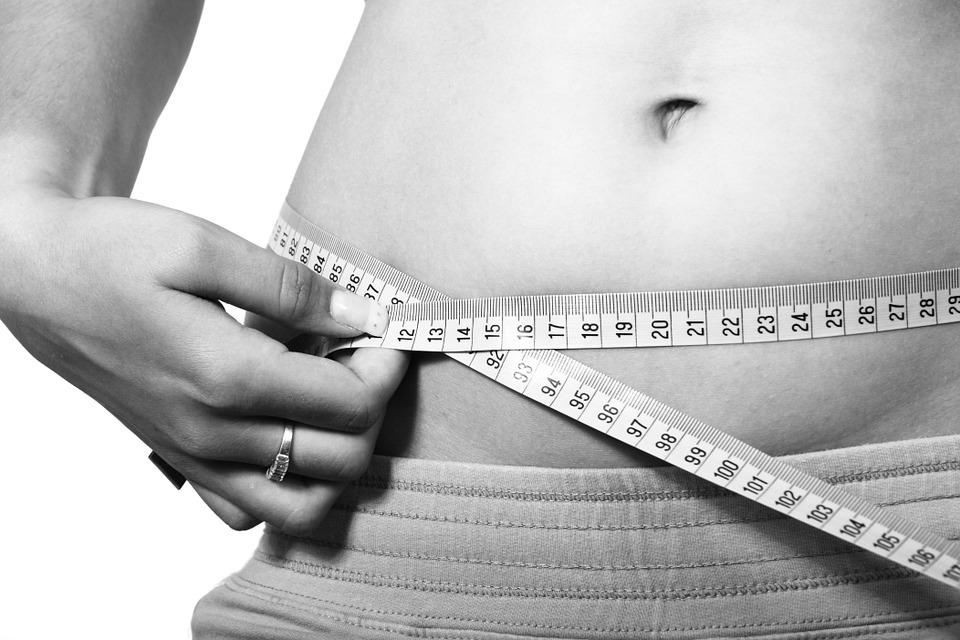 A kalóriajelzések 10 százalékkal csökkentik a kalóriafogyasztást