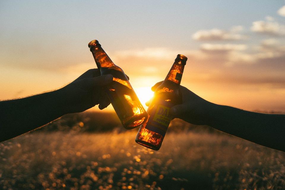 Napi egy pohár sör vagy bor jó tesz a szívnek