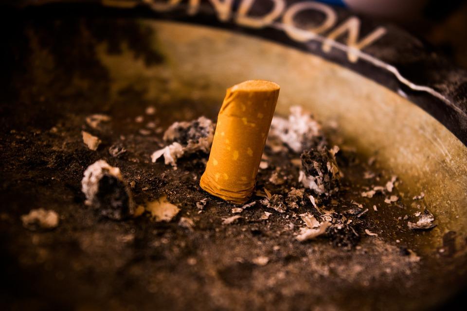 Sok dohányos cigaretta miatti betegség után vált e-cigarettára