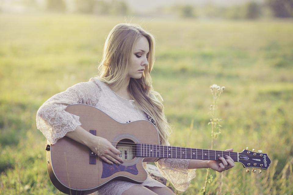Akit meghat a szomorú zene, az mély empátia átélésére képes