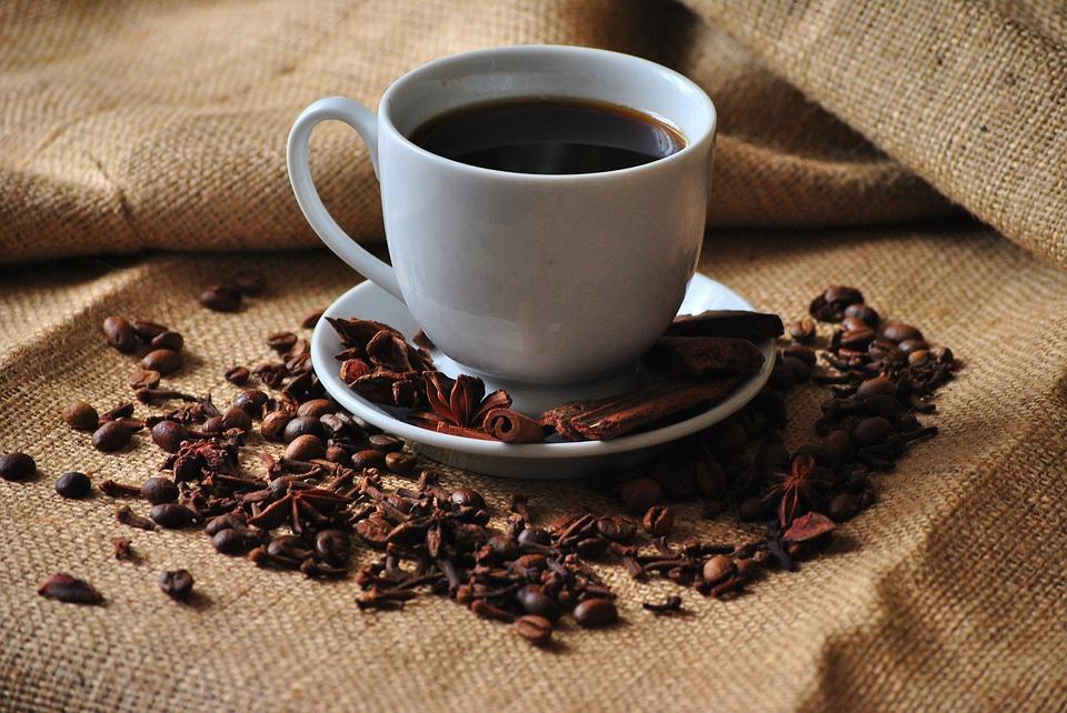 Nem valószínű, hogy a kávé rákot okoz, a forró italokkal viszont más a helyzet