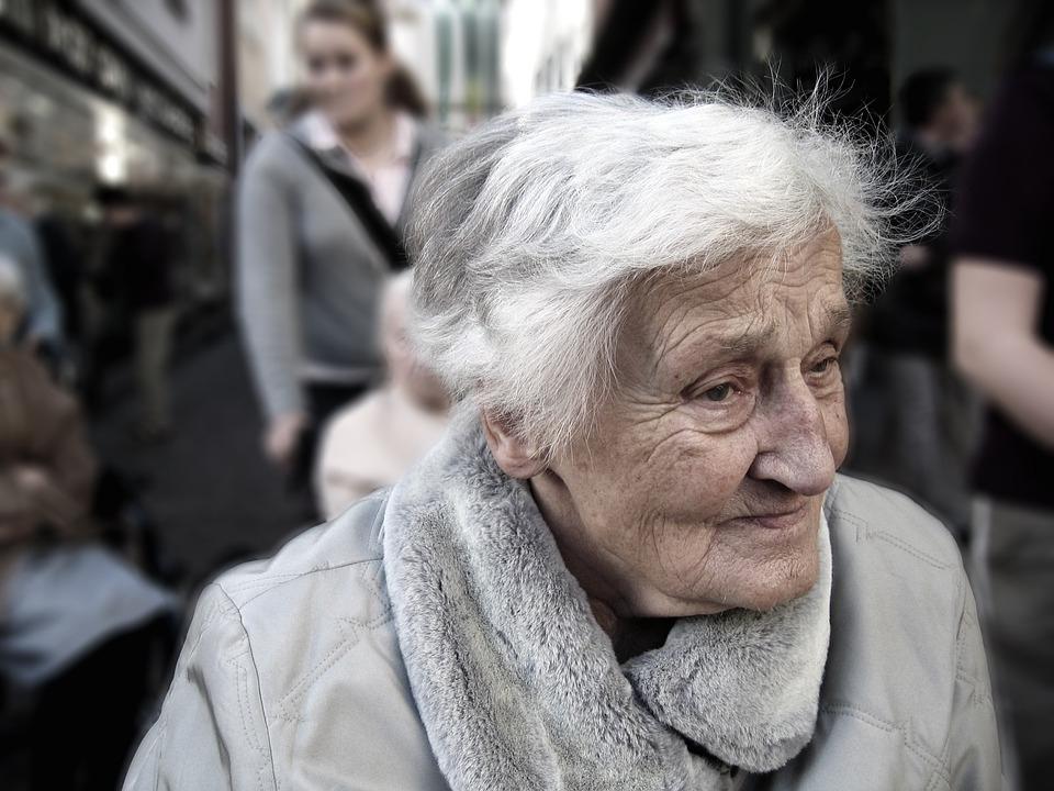 A bőbeszédűség Alzheimer-kórra is utalhat