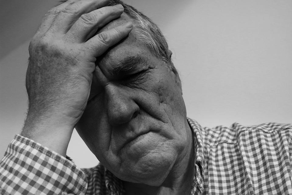 Az Alzheimer-kórosok kevésbé ismerik fel a fájdalmat