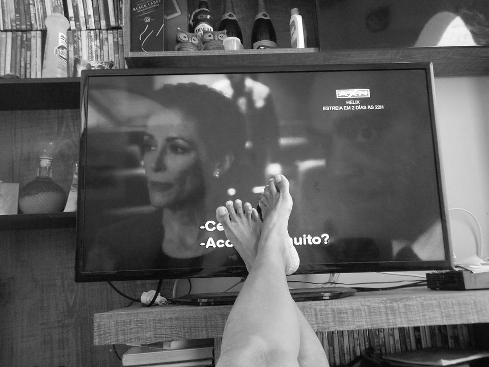 A túl sokat tévéző kisgyerekek tizenéves korukra antiszociálissá válhatnak