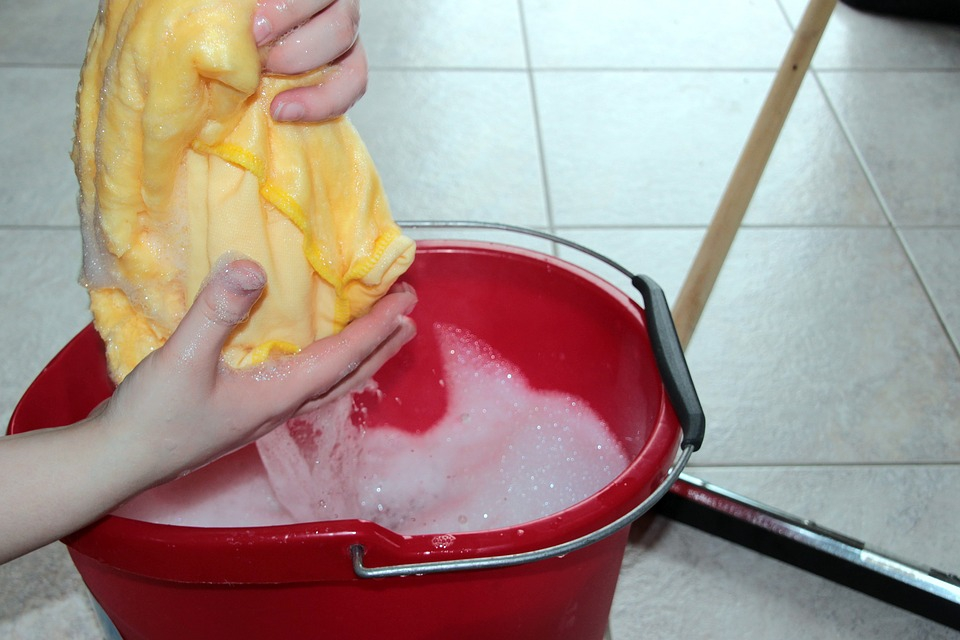 Újabb kifogás, ha utálunk takarítani: bizonyos vegyszerek árthatnak a tüdőnek