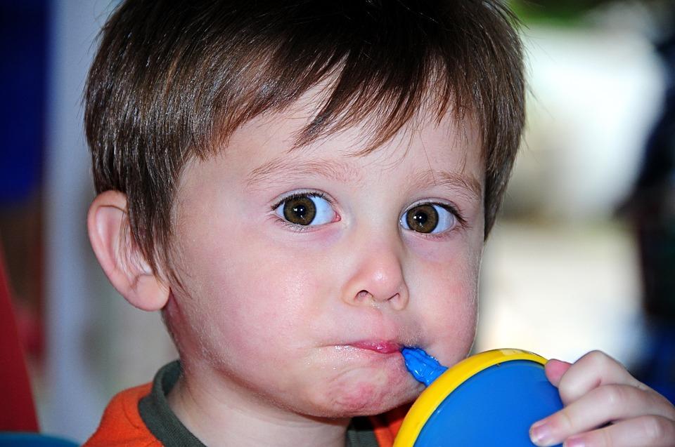 A hiperaktív gyerekek hajlamosak a falásrohamokra