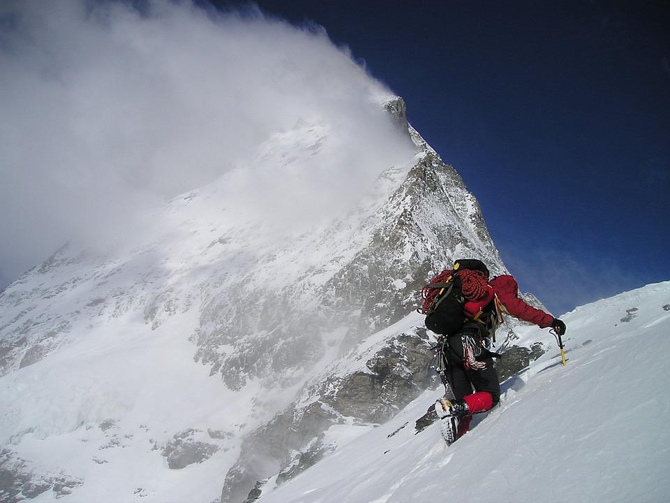 Szednek-e gyógyszereket a Mount Everestet megmászók?