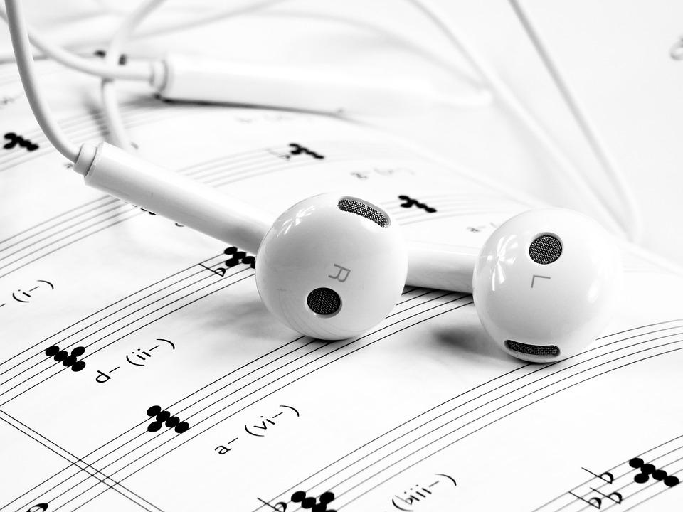 Zenével enyhíthetők a posztoperációs fájdalmak?
