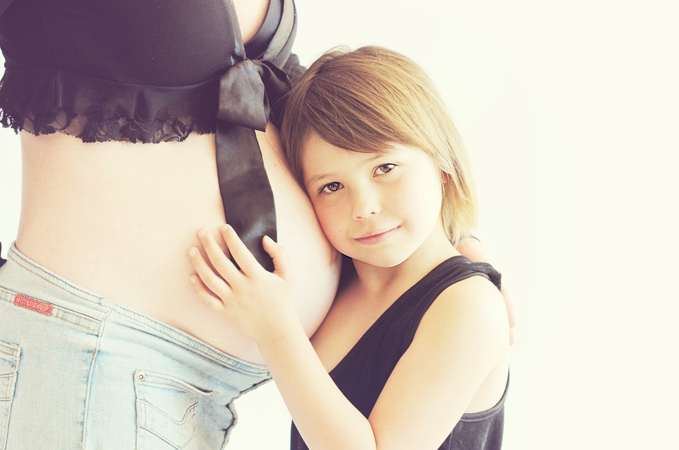 Az idősebb anyák gyermekei jobban teljesítenek