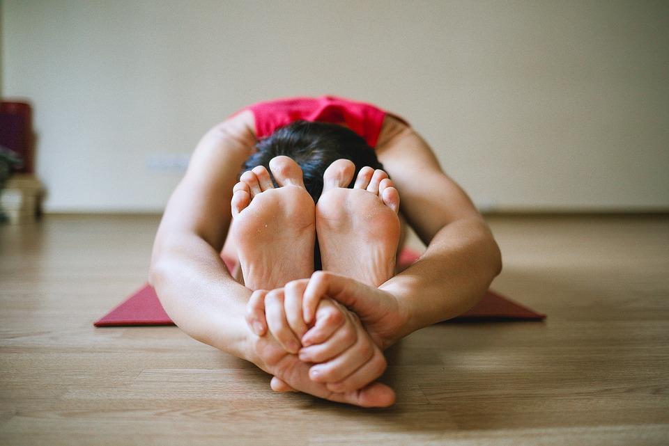 A jóga jótékony hatással van a hátfájásra