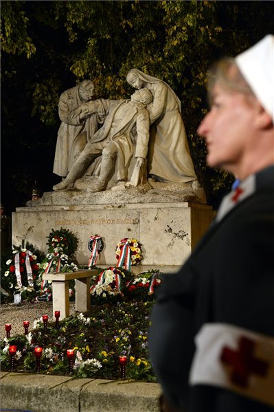 Hős katonaorvosokra emlékeztek Budapesten